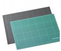 Монтажный коврик Copic Cutting mat, черно-зеленый 45x30 см арт 17502